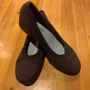 Cloudsteppers by Clarks Plum Wedge Size 8W